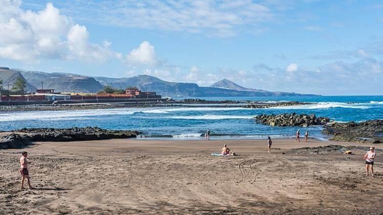 El puertillo bañaderos beach gran canaria