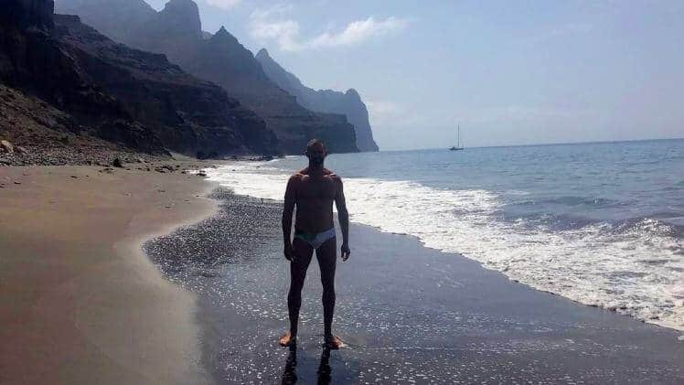 Gay friendly boat trip Gran Canaria guigui beach